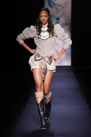 Heni at Arise Africa Fashion Week 2009
