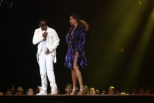 Diddy Performance at Versace Show