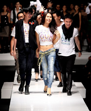 Flirt at Fashion 1st