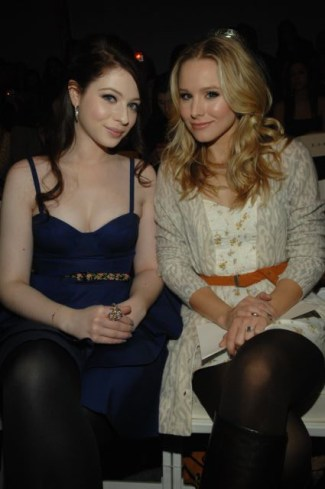 Michelle Trachtenberg and Kristen Bell