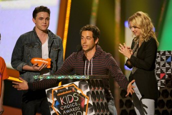 Jesse McCartney; Zachary Levi; Anna Faris
