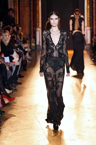 INGRID VLASOV FW11 PARIS 08/03/2011