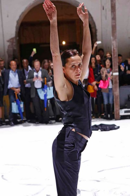 Performance at the MAISON MARTIN MARGIELA with H&M Global Fashion Event