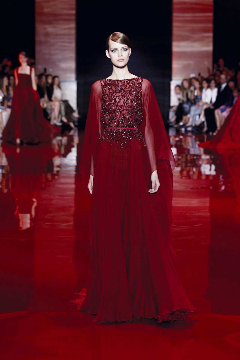 Elie saab haute couture royally yours fashionwindows for Haute couture red