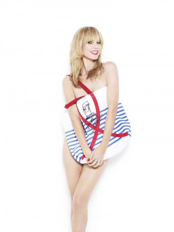 jean paul gaultier bag modeled by heidi klum