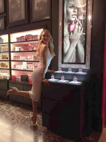 DALLAS 30 April 2015 - Victoria's Secret Angel Candice Swanepoel kicks off first ever INTERNATIONAL BOMBSHELL'S DAY at Victoria's Secret Northpark Center in Dallas, Texas on April 30, 2015. (Photo by Mari Davis)