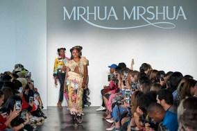MrHua MrsHua by NiuNiu Chou