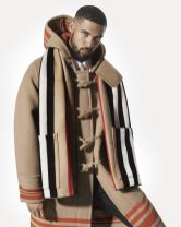 Burberry-Festive-Campaign-c-Courtesy-of-Burberry-Mert-Alas-and-Marcus-Piggott-013