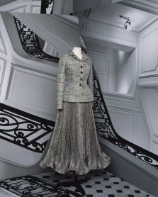dior-haute-couture-autumn-winter-2021-lookbook-cbrigitte-niedermair-look-8-1594050755