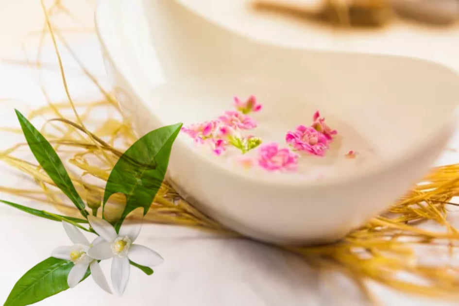 bath for anxiety with essential oils