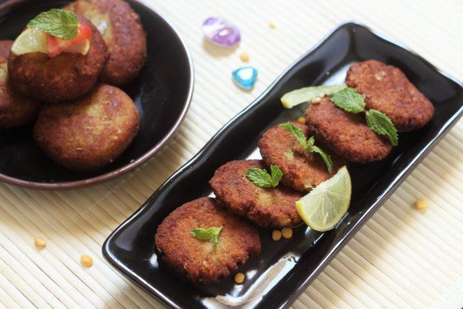 shami kabab recipe in black plate
