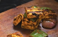 side view of tandoori paneer tikka recipe