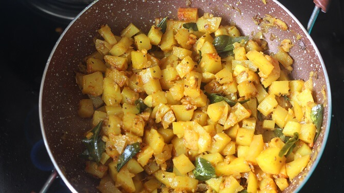 cooking potato poriyal