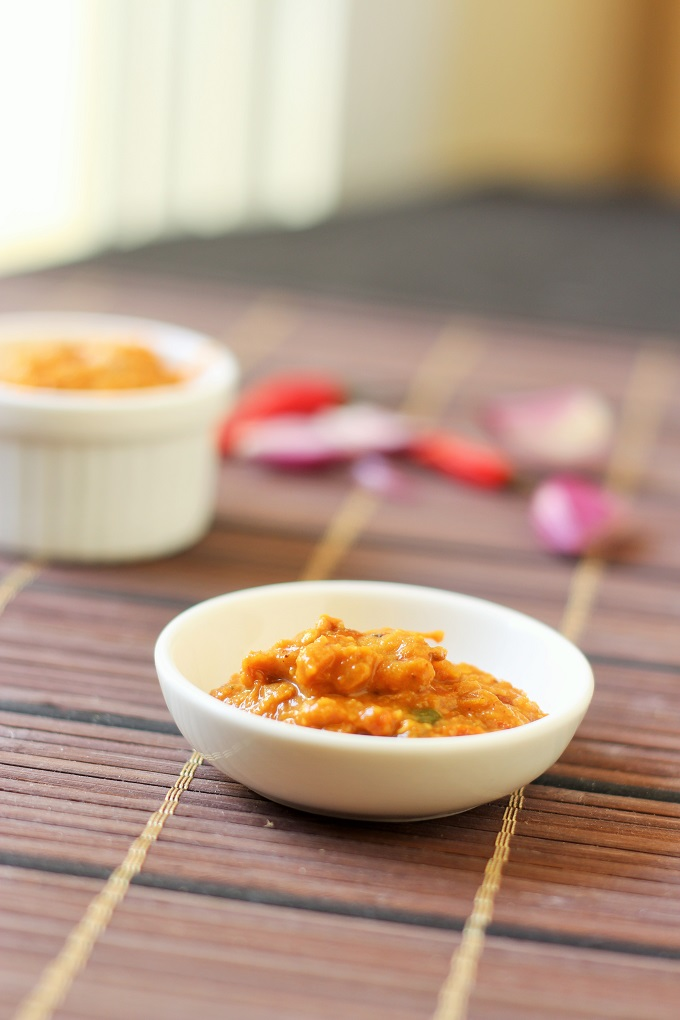 Tomato Onion Chutney Recipe-easy and fast to make tomato onion chutney served with idli, dosa or rice