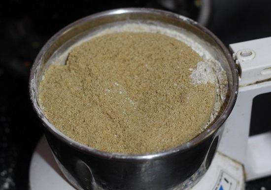 Urad Dal Ladoo (Ulundu Ladoo Recipe) a very famous and healthy dessert. The urad dal ladoo is known as ulundu ladoo in tamil and minapa sunnundalu in Telugu.
