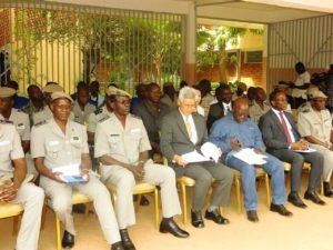 Les autorités lors de la cérémonie de remise de matériel de sécurité
