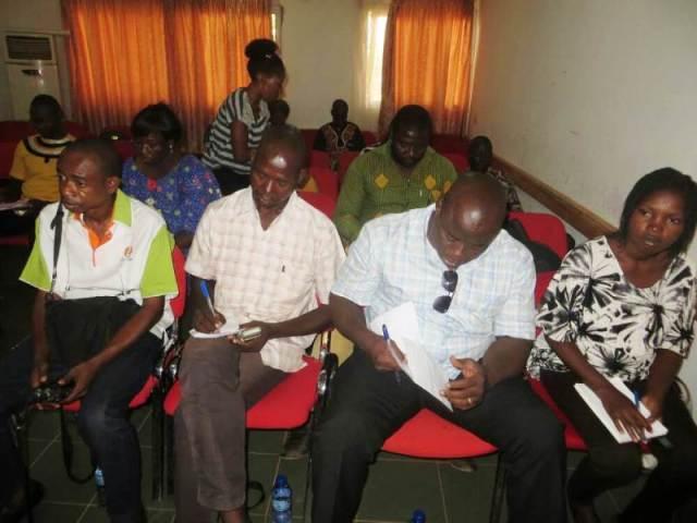 Hommes et Femmes de médias étaient présent à cette conférence de presse