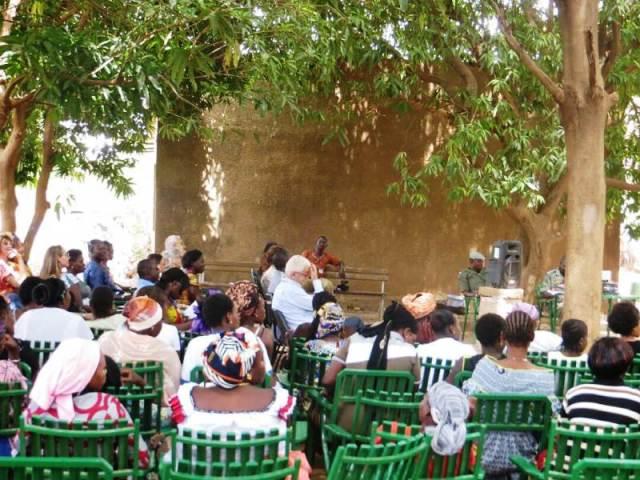 Les femmes détenues à cérémonie de clôture des premiers ateliers de formation de L'association groupement Alternatif d'initiatives artistique(G.A.I.A)