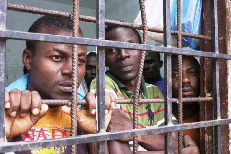 De jeunes africains victimes de leurs désirs d'ailleurs, vendus comme esclaves en Lybie. © D.R.