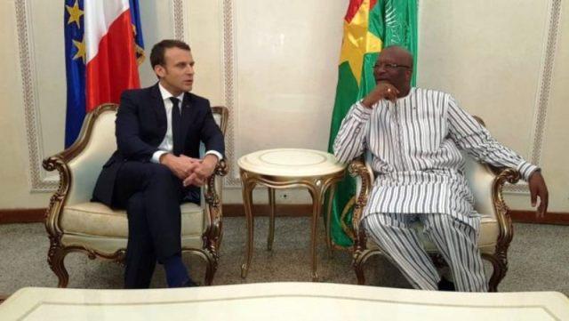 Bref entretien entre le Président Rock Marc Christian Kabore et le  Président Emmanuel Macron.