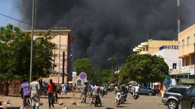 Le ciel de Ouagadougou noir de fumée