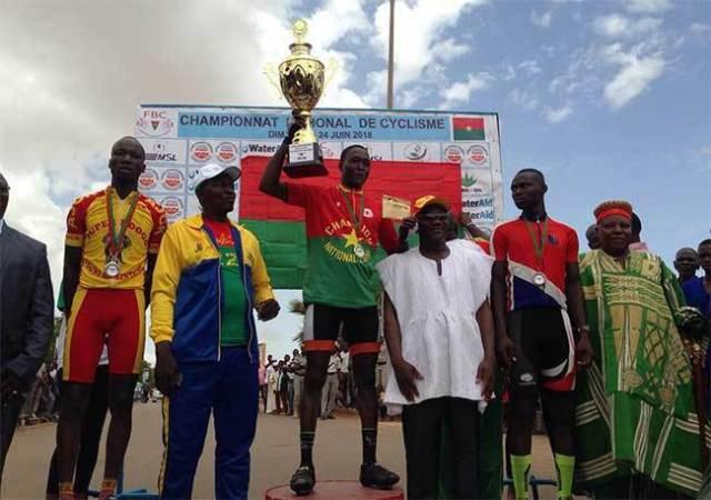 Souleymane KONÉ remporte le trophée une enveloppe d'une valeur  de 1.100.000 F CFA,