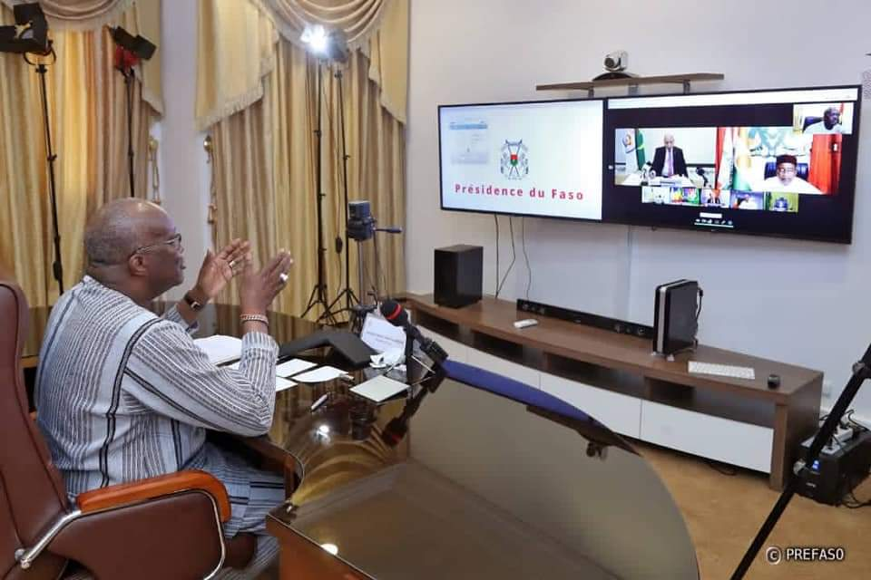 Le président Roch Marc Christian KABORÉ en vidéo conférence avec ses pairs
