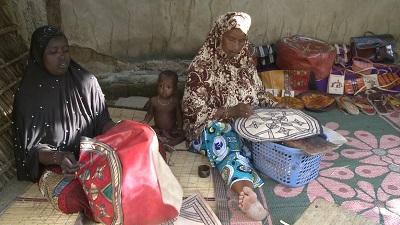 Préparatifs-SIAO-2018-des-artistes-du-Sahel-dans-les-derniers-réglages.