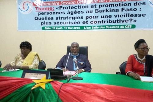 la-protection-et-la-promotion-des-personne- âgées-au-cœur-des-assises-du-CES