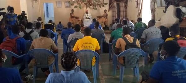 Éducation-des -élèves -en –classe- d-examen- chez- l-empereur- des- moosé