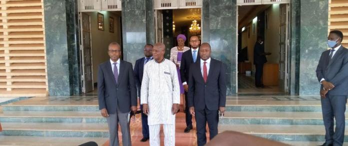 Burkina-IAMGOLD- présente- ses- projets- futurs -au –chef- du- gouvernement