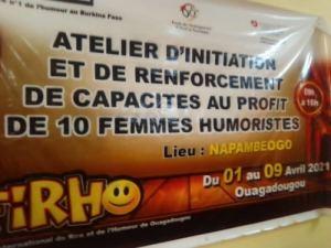 FiRHO-2021- un- atelier- pour –renforcer- les –capacités- de -dix –femmes- en -Humour