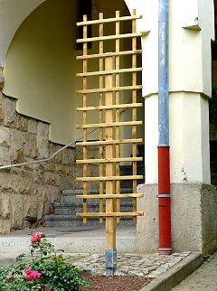 Free Standing Wooden Trellises