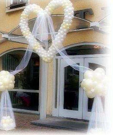 Hochzeitssaal  Hochzeitsdekoration in NRW  Stuhlhussen Verleih Stuhlhussen mieten