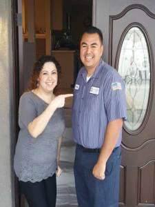 Angel Muro with a happy customer