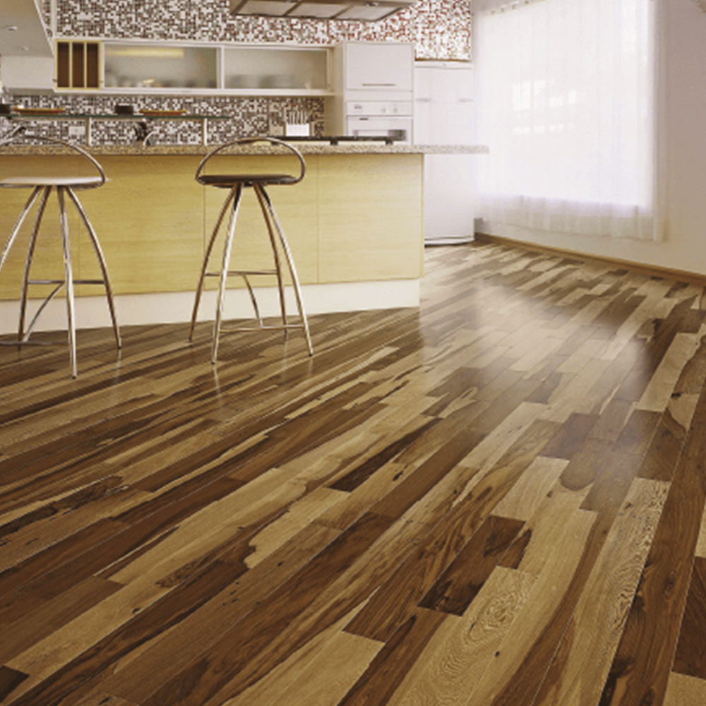 Triangulo Solid 34 x 3 Brazilian Pecan Natural