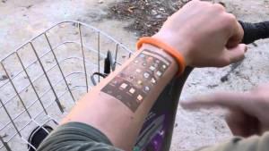 projecting bracelet