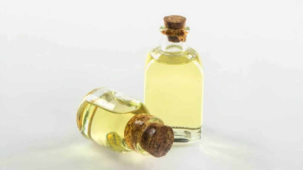 HOW CASTOR OIL WORKS