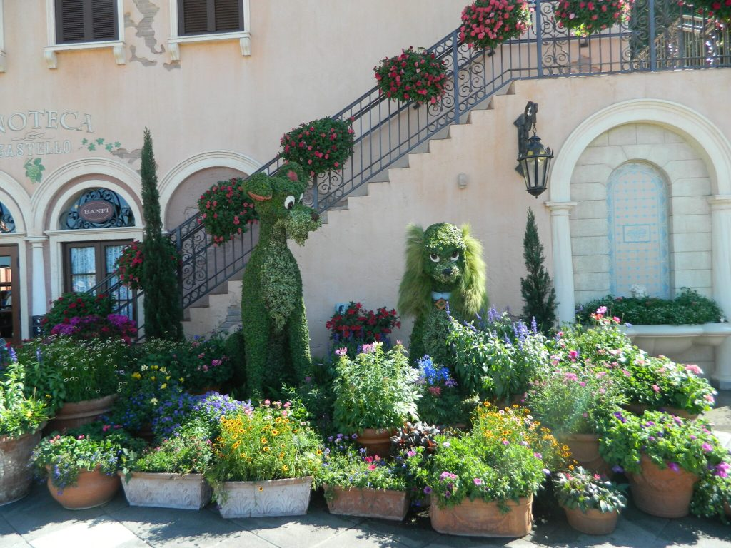 Lady and the Tramp Topiary at the Italy Pavilion