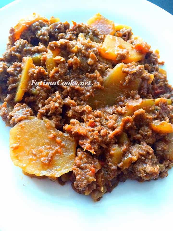 Aloo Keema - Minced Lamb and Potato curry @ fatimacooks.net