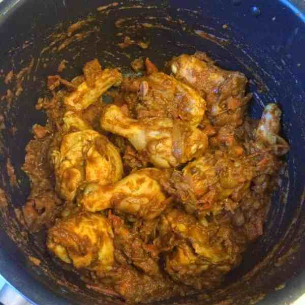Bhuna Chicken Masala - Seared Chicken Curry @ fatimacooks.net