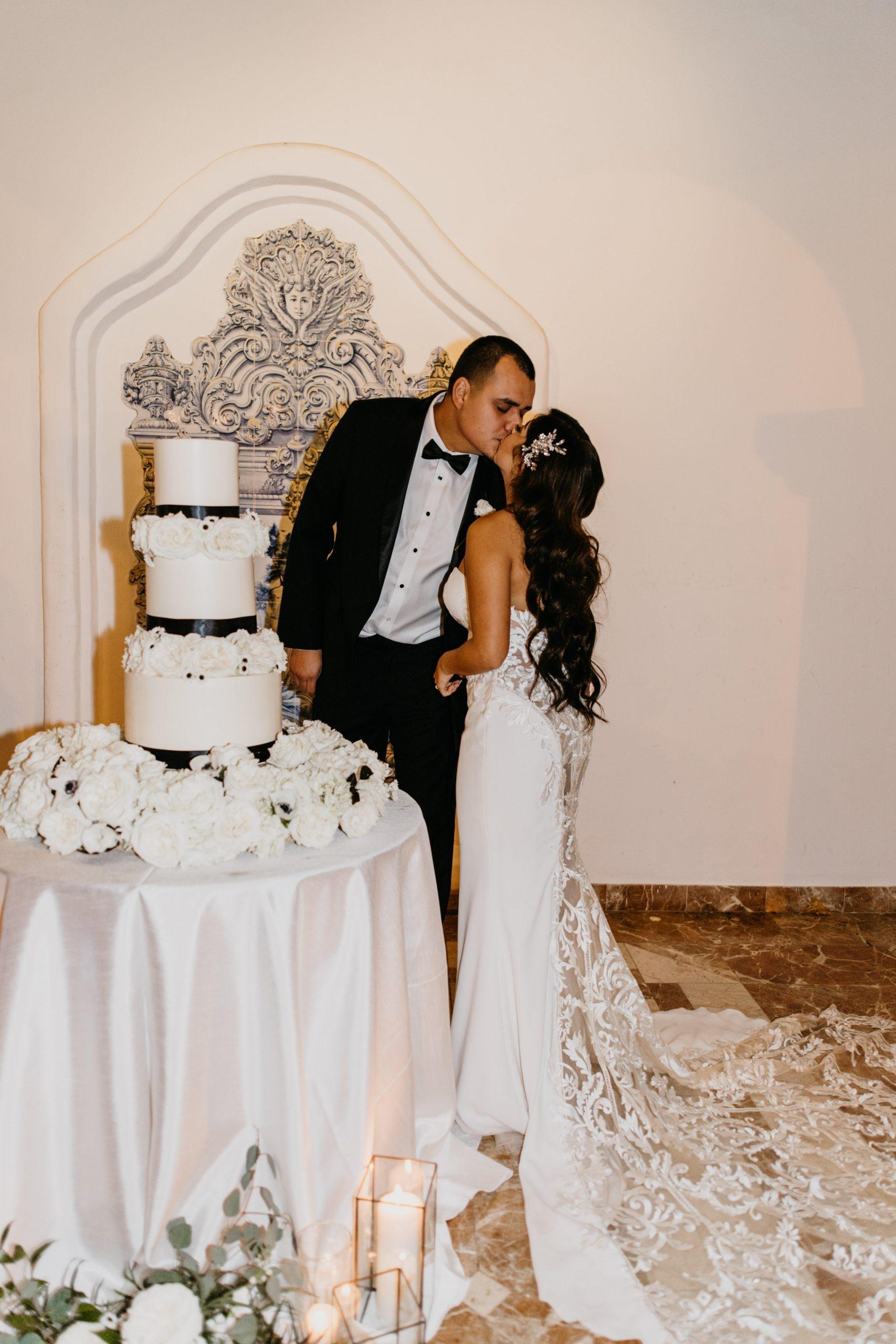 Bride and Groom Cutting Cake at Rancho Las Lomas Wedding, image by Fatima Elreda Photo