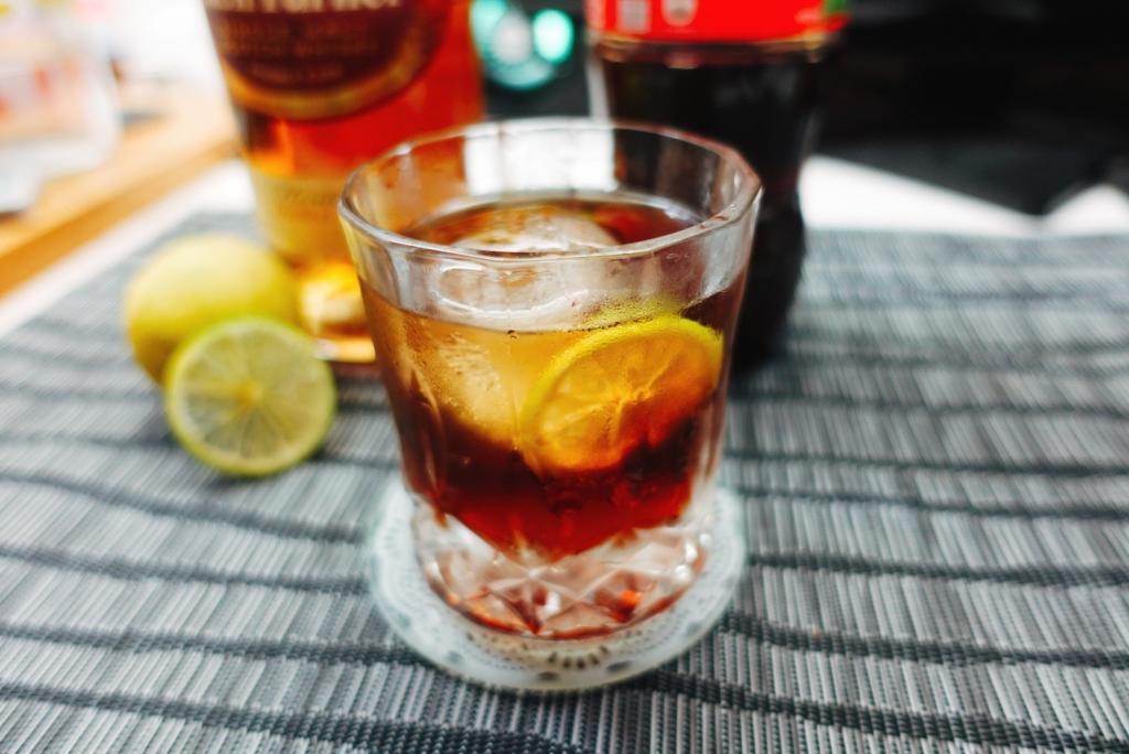 威士忌加可樂