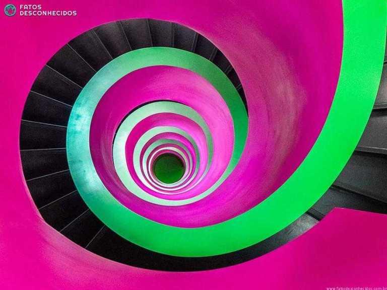 Fotos impressionantes de escadas em espiral