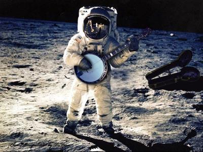 astronaut-banjo.jpg-tm