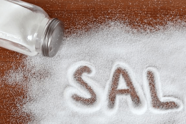 7 truques geniais que você pode fazer com sal