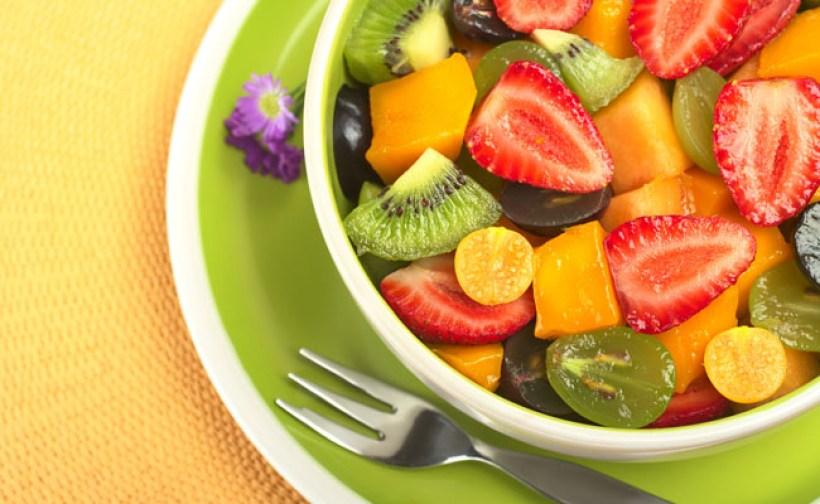 os-beneficios-de-comer-salada-de-frutas1