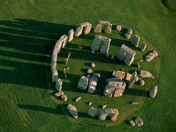 stonehengeabove