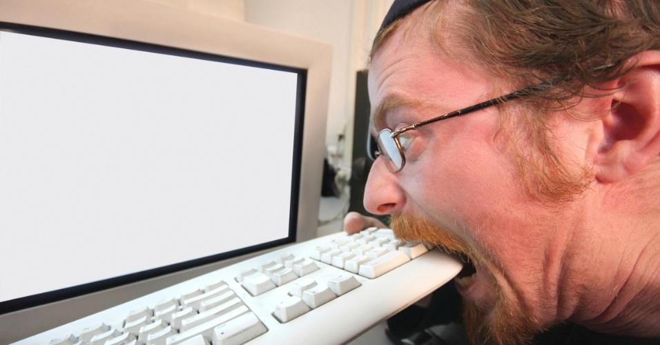 homem-irritado-em-frente-ao-computador-1371149835535_956x500