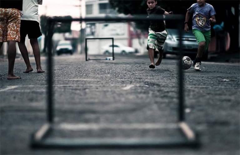 """10 coisas que só quem já foi 'moleque de rua' poderá entender"""""""